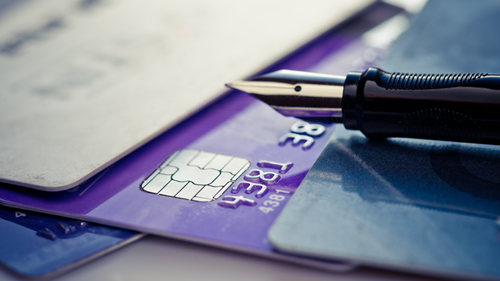Банковские карты:  на зарплатные — только зарплата, на пенсионные — только пенсии